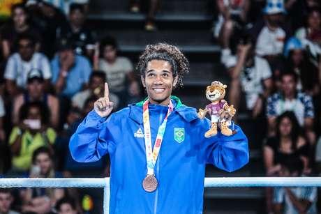 Luiz Oliveira, o Bolinha, seguiu os passos do avô e foi medalhista do boxe nos Jogos Olímpicos da Juventude