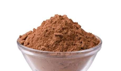 CACAU: ele é um superantioxidante. Contém triptofano, matéria prima para produzir serotonina, que dá aquela sensação de prazer e bem-estar. Mas atenção: estamos falando de cacau, e não de chocolate (gordura + açúcar + leite)