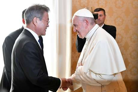 Papa Francisco se encontra com presidente da Coreia do Sul, Moon Jae-in, no Vaticano 18/10/2018  Alessandro Di Meo/ Pool via Reuters