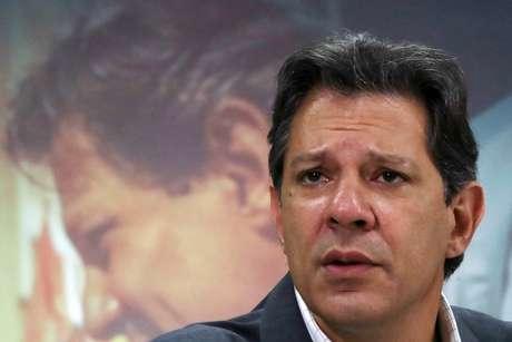 Candidato do PT à Presidência, Fernando Haddad, durante entrevista coletiva em São Paulo 18/10/2018 REUTERS/Paulo Whitaker