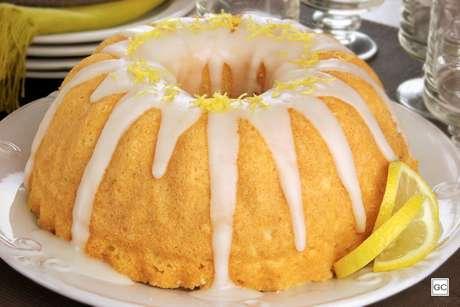 Bolo de ricota com limão siciliano