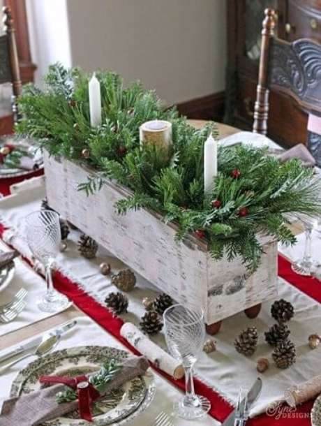 45. As decorações rústicas também podem ser usadas no natal. Foto de Country Living Magazine