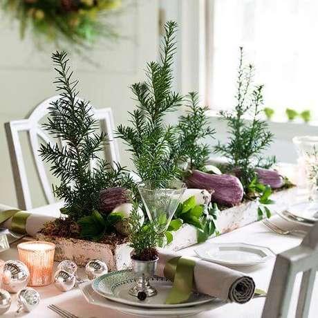 46. A decoração rústica combina bem com as plantas naturais. Foto de Cuochie Cucine