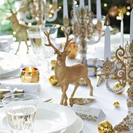 35. Os enfeites dourados brilhantes combinam muito com a decoração de natal. Foto de Amazon