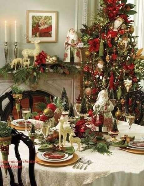 6. Além da árvore grande, as mini árvores também podem ser usadas na decoração de natal. Foto de Pinterest