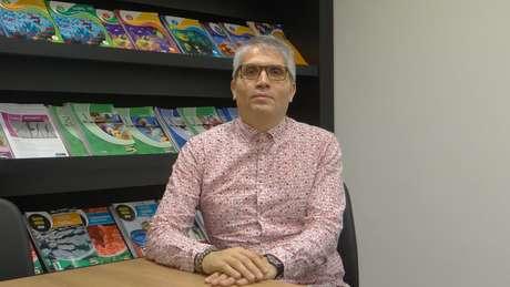 Coordenador-geral do Colégio Etapa diz que, para aceitar os estudantes, muitas universidades estrangeiras exigem que eles tenham sido aprovados em alguma instituição de seu país