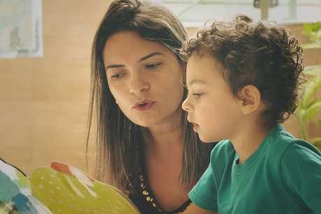 'O que mais influencia e determina o rendimento escolar é a educação e a escolarização da mãe', diz especialista