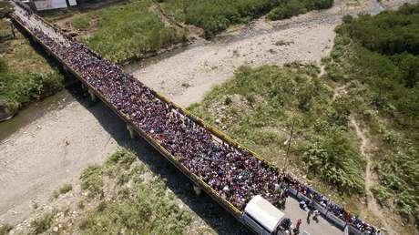 Ponte que liga San Antonio del Táchira, na Venezuela, a Villa Del Rosario, do lado colombiano, se tornou símbolo do êxodo de venezuelanos;