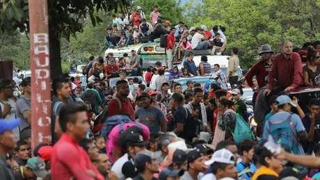 A caravana foi parada pela polícia da Guatemala durante várias horas