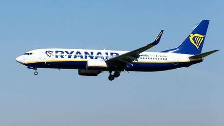 Ryanair afirmou que notificou a polícia britânica e que vai investigar episódio