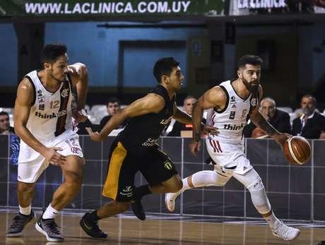Franco Balbi foi um dos destaques do Flamengo (Foto: Divulgação/FIBA)