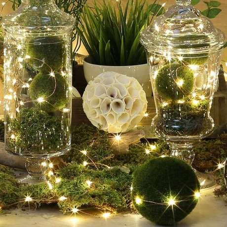 12. Potes de vidro são garantia de lindos arranjos com luzes de natal – Foto: DHgate