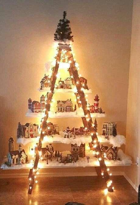 42. Não esqueça de utilizar as luzes de natal para iluminar móveis e presépio – Foto: SistaCafe