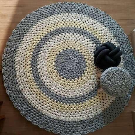 17- O tapete de crochê redondo pode ser uma ótima fonte de renda extra. Fonte: Dicas de mulher