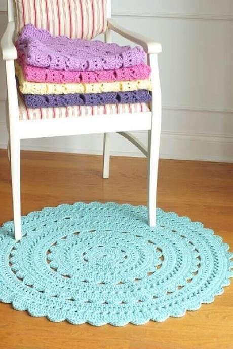46- O tapete redondo de crochê para compor decoração de quarto. Fonte: Handy Crafter