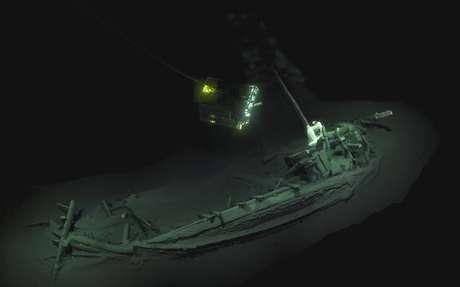 Navio naufragado há 2,4 mil anos foi descoberto graças a um projeto para mapear águas profundas, onde não há oxigênio