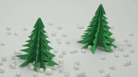 60. Árvore de natal artesanal de origami. Foto de YouTube