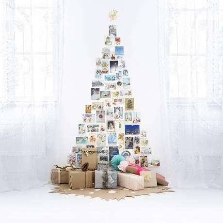 38. Árvore feita com fotos e embalagens de presente. Foto de Mint Light