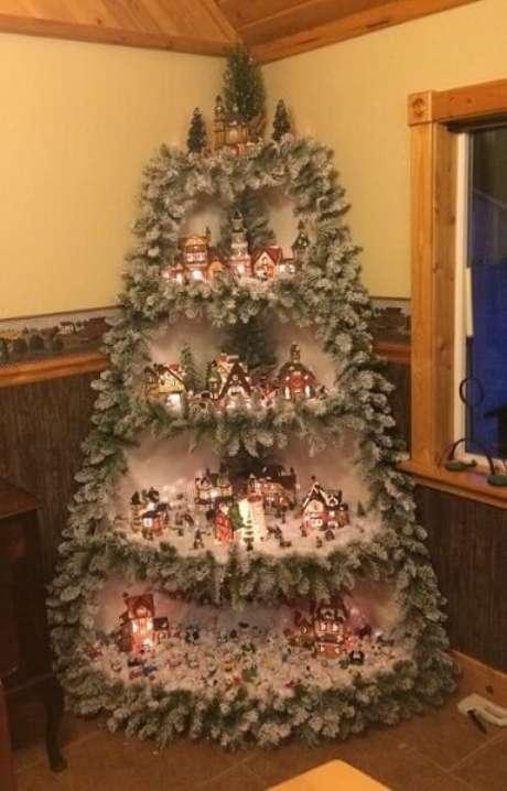2. Com uma estrutura como essa, qualquer cantinho pode se tornar uma árvore de natal artesanal.Foto de DIY Crafts Decoration