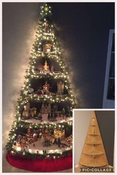 21. Fazendo essa estrutura de madeira você consegue fazer uma árvore de natal de canto. Foto de Kitchen Fun With My 3 Sons