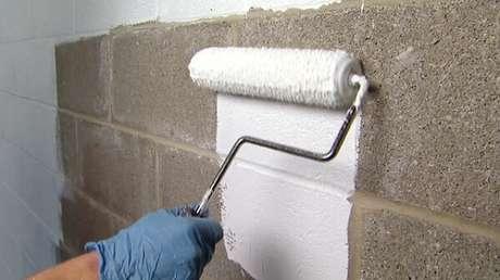 1- O impermeabilizante para parede é fácil e rápido de ser aplicado. Fonte: Impercon Impermeabilizações