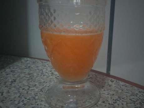 Suco de limão, cenoura e laranja