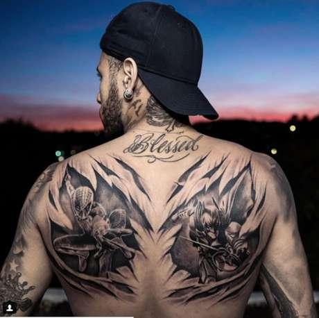 Neymar tatuou os seus heróis preferidos nas costas #(Foto: Reprodução/ Instagram)
