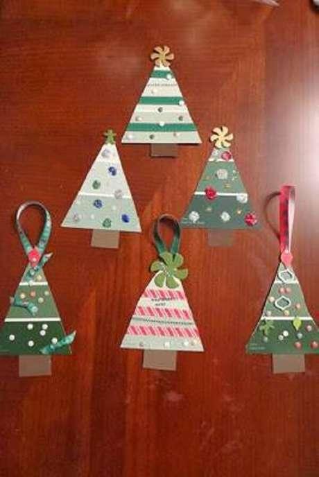 35- Artesanato de Natal para decorar sua casa com árvores
