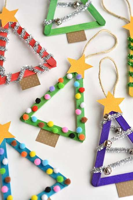42- Artesanato de Natal: Árvores de Natal artesanal de palito de sorvete