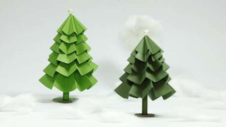 48- Árvore de Natal Artesanal feita com papel dobrado