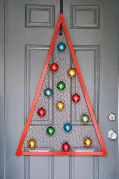 41- Artesanato de Natal para enfeitar a entrada da sua casa