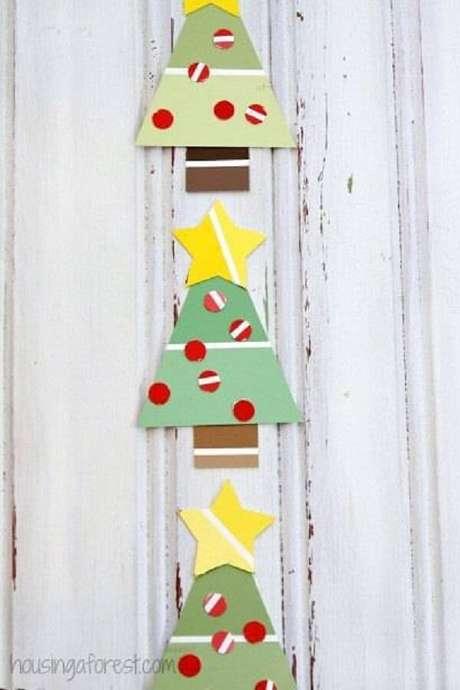 37- Artesanato de Natal de tecido em formato de árvore