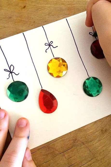 33- Você pode fazer um cartão de Natal com um artesanato lindo