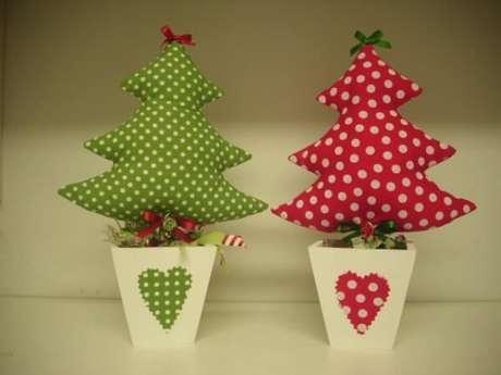 80- Você pode fazer um artesanato de natal para presentar os seus convidados. Fonte: Dia a Dia Corridinho