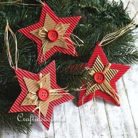 28- Estrela de papel é um excelente artesanato de Natal