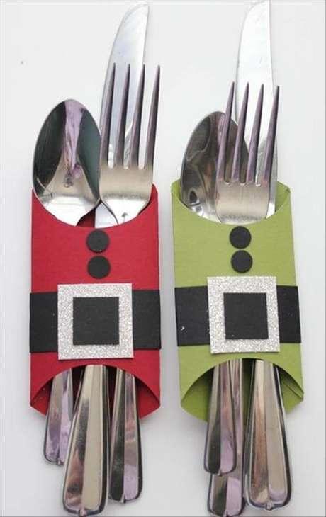 31- Artesanato de Natal de papel acomodar talheres na mesa