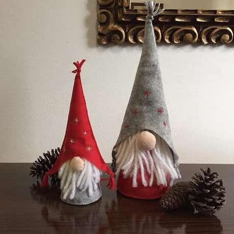 79- Artesanato de natal feito com gnomos em feltro. Fonte: Eduk