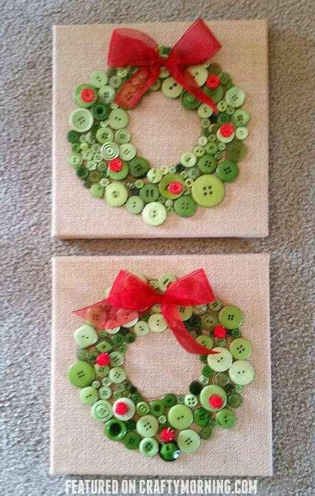 13- Artesanato de Natal com guirlanda de botão