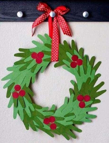 9-Guirlanda natalina é um dos artesanatos de natal preferidos