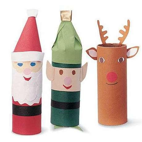 5- Artesanato de Natal papel feito com rolo de papel higiênico e papeis coloridos