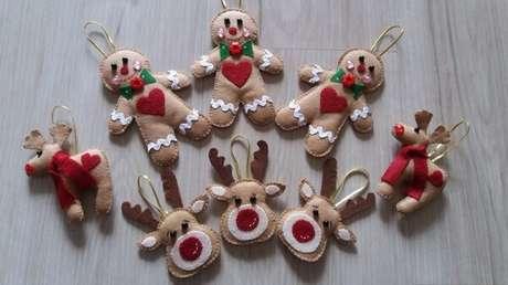 77- O artesanato de natal com enfeites de feltro para decorar árvore. Fonte: Pinterest
