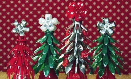 2. Inspire-se nos modelos de árvore de natal de garrafa PET que selecionamos e faça a sua própria! Foto de Coca-Cola