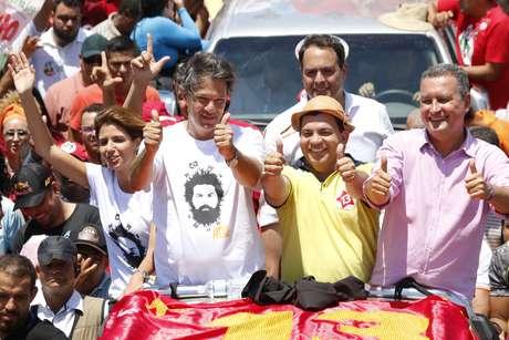 Fernando Haddad em carreata entre Petrolina (PE) e Juazeiro (BA)