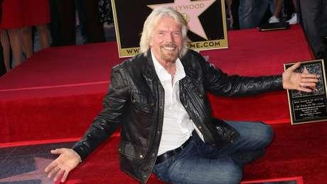 O milionário britânico começou na indústria da música, mas, nos últimos anos, entrou na corrida espacial e diz que estará no espaço em 'semanas'