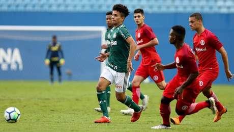 Gabriel Vieira participou do empate por 0 a 0 diante do Inter, que garantiu a classificação ao Palmeiras (Divulgação)