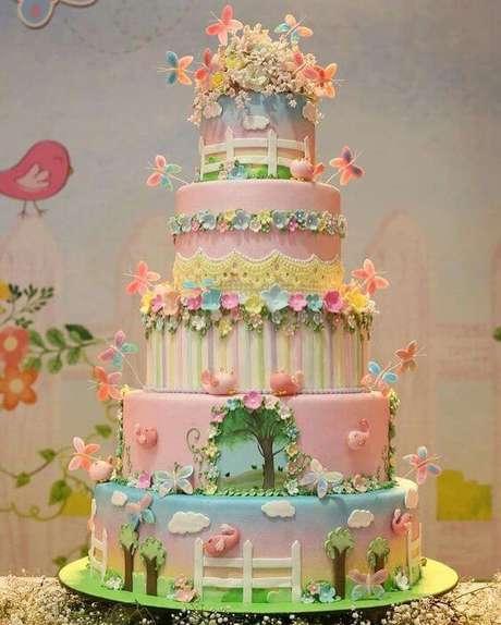 12. Esse bolo é, sem dúvidas, o sonho de muitas pessoas. Foto de Pinterest