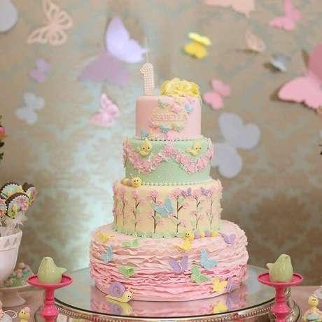 19. Os tons pastel ficam ótimos em bolos infantis. Foto de Festejar com Amor
