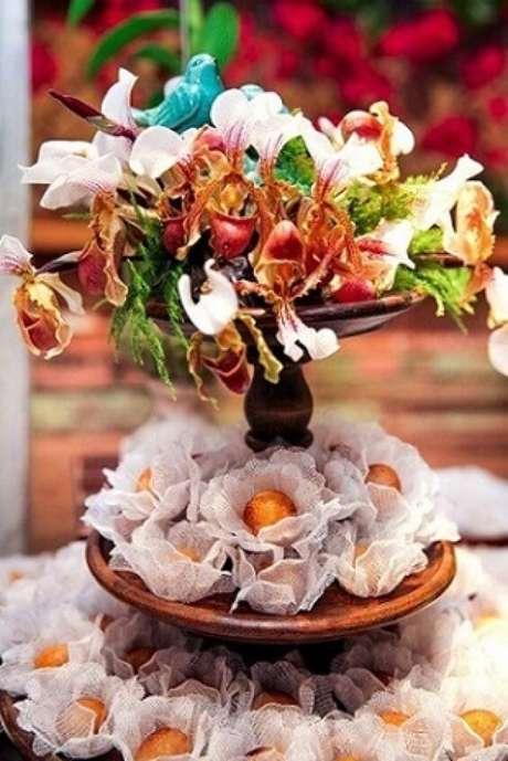 37. Decoração jardim encantado com flores reais. Foto de Constance Zahn