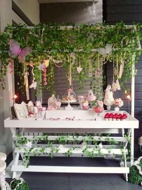 49. Decoração jardim encantado com trepadeiras. Foto de Pinterest