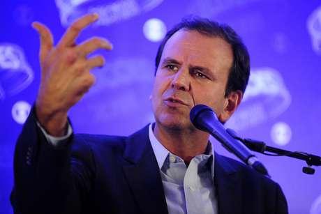 Eduardo Paes (DEM) durante o debate entre candidatos a governadores na Rede Globo no Rio de Janeiro (RJ), nesta quinta-feira (25)